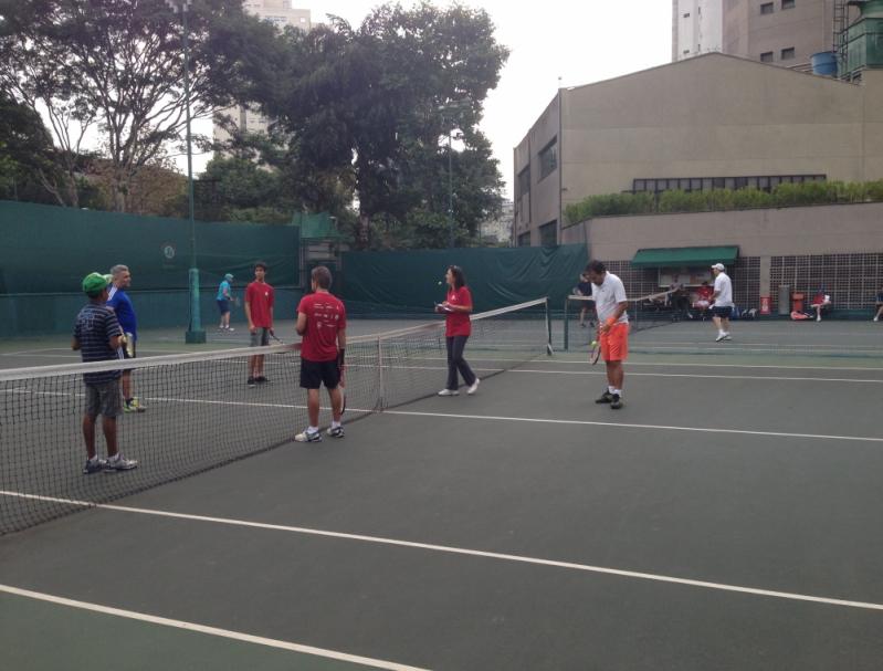 Quanto Custa Academia com Tênis para Aulas em Grupo Jardim das Acácias - Academia de Tênis