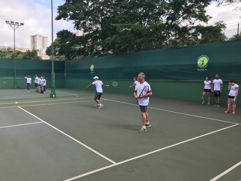 Quanto Custa Aula de Tênis com Quadra Conjunto Residencial Butantã - Aula de Tênis