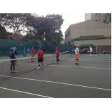 escola de tênis com professor Cursino