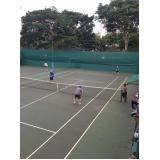 onde encontro aula de tênis em grupo Santo Amaro
