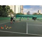 quanto custa aula de tênis em quadra Vila Carrão